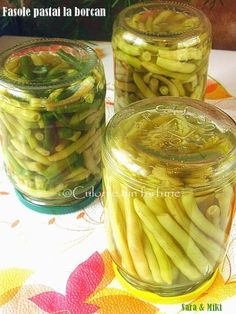 » Fasole pastai la borcanCulorile din Farfurie Canning Pickles, Frosting Techniques, Romanian Food, Tasty, Yummy Food, Health Snacks, Preserving Food, Canning Recipes, Dental Health