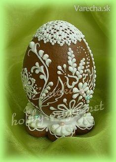 Slovak gingerbread Easter egg - (in Slovak) Chocolates, Sugar Eggs For Easter, Easter Eggs, Easter Chocolate, Chocolate Art, Incredible Eggs, Egg Shell Art, Carved Eggs, Easter Celebration