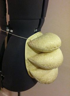 Want To Reduce Your Waist With Corset Training? Want To Sew A Training Corset? Victorian Costume, Steampunk Costume, Steampunk Diy, Steampunk Clothing, Historical Costume, Historical Clothing, Corset Pattern, Pattern Sewing, Wedding Dress Organza