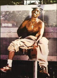 thug-of-arabia The Effective Pictures We Offer You About Wallpaper Preto ar. - thug-of-arabia The Effective Pictures We Offer You About Wallpaper Preto arco iris A quality - Tupac Wallpaper, Rap Wallpaper, Mode Hip Hop, 90s Hip Hop, Nimo Rapper, Arte Do Hip Hop, Hip Hop Art, Urbane Fotografie, Tupac Pictures