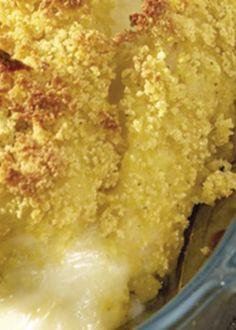 Cordon bleu de bacalhau com migas de broa Portuguese Recipes, Portuguese Food, Cod Fish, Macaroni And Cheese, Ethnic Recipes, Desserts, Traditional Kitchen, Cod Recipes, Risotto