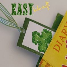 Easy shamrock book marker www.spoonful.com #stpatrick'sday #kidscraft
