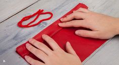 Tutorial de pompones de papel de seda para decorar una fiesta: Aprende a hacer pompones utilizando papel de seda con esta sencilla explicación paso a paso | conkansei.com