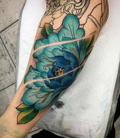 117 Of The Very Best Flower Tattoos Peony Tattoo by Jason James Smith Irezumi Tattoos, Tribal Tattoos, Bild Tattoos, Trendy Tattoos, Unique Tattoos, Beautiful Tattoos, Skull Tattoos, Rose Tattoos, Body Art Tattoos