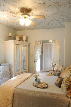 beautiful bedroom, beautiful ceiling