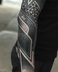 Best Tattoo Sleeve Men Arm Ideas Blackwork Ideas - Welcome my homepage Geometric Sleeve Tattoo, Mandala Sleeve, Geometric Tattoo Design, Geometric Tattoos Men, Black Tattoo Cover Up, Cover Up Tattoos, Body Art Tattoos, Sleeve Tattoos, Jormungand Tattoo