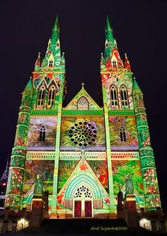 Vivid Sydney 2010: St Mary's Cathedral ❤ www.pinterest.com/WhoLoves/Sydney ❤ #Sydney #vivid Australia Living, Sydney Australia, Palaces, Monuments, Church Pictures, Christian World, Festivals Around The World, Projection Mapping, Cathedral Church