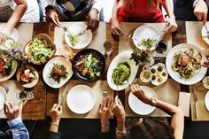 Should I count calories, carbs, protein, or fat? What is the best diet for PCOS? Your PCOS diet questions answered. Healthy Food Options, Healthy Work Snacks, Healthy Foods To Eat, Healthy Dinner Recipes, Diet Recipes, Healthy Eating, Best Diet For Pcos, Pcos Diet, Paleo Diet