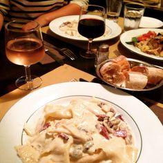 Excellent diner avec les copines l'Osteria dell'anima, resto italien minuscule mais trop bon du 37 rue oberkampf metro: oberkampf, republique, filles du calvaire tel: 0143384003