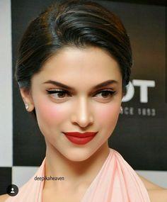 Any Actors+actresses Brownie brownies q salatiga Beauty Makeup, Hair Makeup, Hair Beauty, Nose Makeup, Beautiful Indian Actress, Beautiful Actresses, Bridal Makeup, Wedding Makeup, Elegant Hairstyles