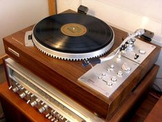 Pioneer reciver and turntable