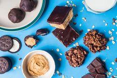 Z arašídového másla můžete vykouzlit takovéto dobroty! Candy, Cookies, Chocolate, Desserts, Food, Crack Crackers, Tailgate Desserts, Deserts, Biscuits