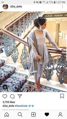 ideas bridal hijab styles pakistani for 2019 Pakistani Dresses Casual, Pakistani Wedding Outfits, Indian Bridal Outfits, Pakistani Dress Design, Indian Designer Outfits, Pakistani Bridal, Designer Dresses, Dress Indian Style, Indian Dresses