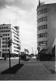 Beautiful Buildings, Visual Identity, Bauhaus, Poland, Multi Story Building, Art Deco, Danzig, 90s Grunge, Black And White