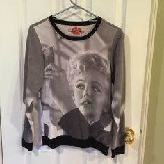 NWOT, Marilyn Monroe, light sweatshirt NWOT Marilyn Monroe, long sleeve, light sweatshirt. Super cute with jeans. Easy to wear. Perfect for the slow change of weather. Size XS, but wears like a small. Tops Sweatshirts & Hoodies