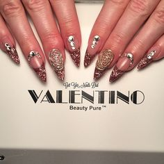 Instagram media get_yer_nails_did - #valentinobeautypure #nails #naildiva #nailswag #naildesign #stilettos @valentinobeautypure #bling #glitter
