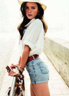 White blouse + high waisted denim shorts //classic look, classic combination of pieces & colors, summertime or springtime feel