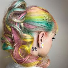 Pravana ooo la laa .. My heart is in Rainbows & ribbons for you !! Happy Valentines Day sweethearts . . @pravana #btconeshot_vibrant18 #btconeshot_unconventionalcolor18 #btconeshot_upstyling18 #thebtcteam #behindthechair #rainbowhair #ponytail #upstyle #allure #behindthechair #lasvegashairstylist #imallaboutdahair #modernsalon #sweetheart