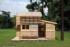 Pick a style: The homes can take many forms, and be built by hand in less than a week    Read more: http://www.dailymail.co.uk/news/article-2242244/The-homes-discarded-pallets-house-world.html#ixzz2E0dWdOPC  Follow us: @MailOnline on Twitter   DailyMail on Facebook