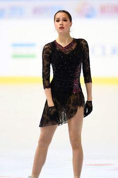 Figure Skating Outfits, Figure Skating Costumes, Swan Lake Costumes, Dance Costumes, Alina Zagitova, Skater Outfits, Black Figure, Ice Skating, Hannah West