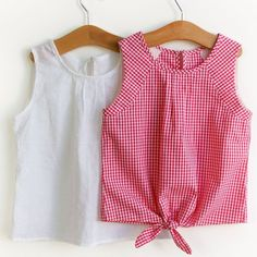 Super sewing ideas for teens clothes shirts ideas Frocks For Girls, Little Girl Dresses, Baby Girl Fashion, Kids Fashion, Fashion Outfits, Fashion Tips, Toddler Outfits, Outfits For Teens, Kids Clothing Rack