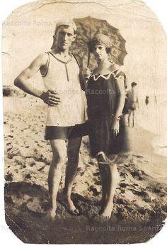 Al mare di Ostia 1925 History, Womens Fashion, People, Fictional Characters, Inspiration, Drawing, Photos, Rome, Italia
