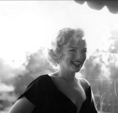 Marilyn at the Some Like It Hot press conference, Beverly Hills Hotel, July 1958.