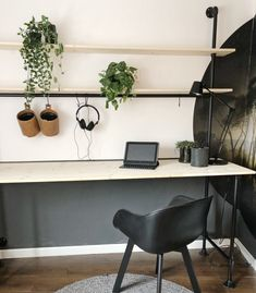 Home Office Design, Office Decor, Tiny Office, Studio Living, Industrial Office, Finding A House, Scandinavian Design, Decorating Your Home, Man Cave