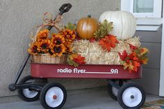 Growing Up Gardner: Fall is here.What is it about a little red wagon? - Wagon - Ideas of Wagon - Growing Up Gardner: Fall is here.What is it about a little red wagon? Fall Wagon Decor, Fall Home Decor, Fall Yard Decor, Diy 2019, Autumn Decorating, Decorating Ideas, Decor Ideas, Diy Ideas, Porch Decorating