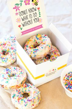 Teacher Appreciation Day printables for food gifts: Confetti Donuts teacher appreciation gift package at Evermine Occasions Gourmet Gift Baskets, Gourmet Gifts, Food Gifts, Donut Gifts, Employee Appreciation Gifts, Volunteer Appreciation, Volunteer Gifts, Secretary Gifts, Client Gifts