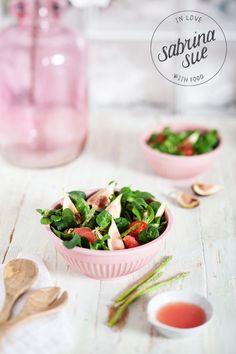Valentinstag Menü – Feigen Spargel Salat, Rucola Ravioli & Strawberry Lava Cakes (Werbung)