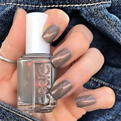 Essie social lights
