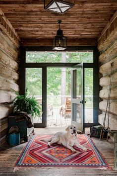 Not only is Buddy the Lab our favorite kind of guard dog, he's also one of our favorite fifty G&G photos of the past year. See more of our… Cabin Design, Cottage Design, G Photos, Cool Photos, Modern Log Cabins, House With Porch, Cabin Interiors, Barndominium, Step Inside