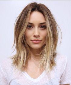 Light brown to blonde ombré, lob haircut