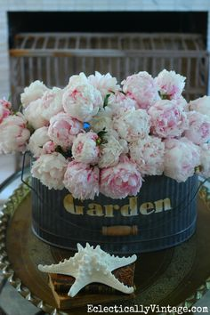 Pink peony bouquet - see her tips on arranging flowers! eclecticallyvintage.com