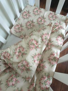 Baby bedding, duvet cover by TheElsiCraft on Etsy https://www.etsy.com/no-en/listing/581733008/baby-bedding-duvet-cover