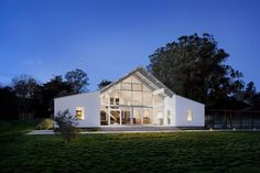 Modern barn / ranch style house in the San Francisco Bay area