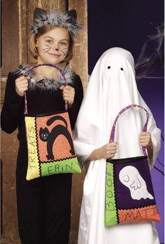 Trick or Treat Halloween Bags | Denise Clason Studios #halloween #trickortreat #treatbags www.deniseclason.com