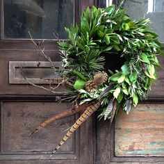 A feather in your cap Xmas wreath Homes&Gardens-Christmas-Wreaths-11