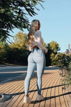 Superenge Jeans, Sexy Jeans, Skinny Jeans, Curvy Girl Outfits, Curvy Women Fashion, Cute Outfits, Beste Jeans, Looks Pinterest, Girls Jeans