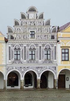 Árkádos épület sgraffito díszítéssel Telč / It is a buildig with archway and sgraffito decoration Telč