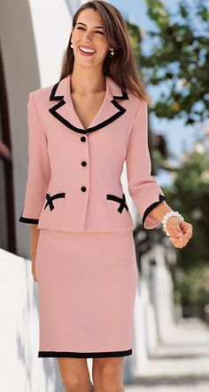 New skirt long outfit pink Ideas Work Fashion, Trendy Fashion, Womens Fashion, Fashion Design, Trendy Style, Neue Outfits, Office Outfits, Suits For Women, Clothes For Women