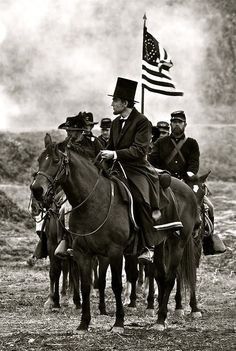 Lincoln leading the Union Soldiers. Not sure if this is photoshopped?