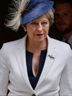 Teresa May, British Prime Ministers, Sexy Older Women, Sport Girl, Barack Obama, Real Women, Royals, Presidents, Celebs