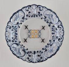 Baroque, 2011, ceramica decorata Antico Savona con interventi al terzo fuoco, diam 54