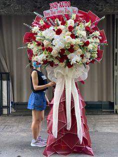 Flower Bouqet, Bouquet, Flower Room Decor, Creative Flower Arrangements, Flower Stands, Funeral Flowers, Flower Backdrop, Grand Opening, Backdrops
