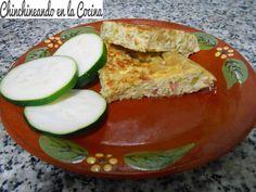 ¿No sabéis que hacer con los calabacines? Aquí os traigo una receta fácil y muy sana. Tortilla de calabacín con jamón serrano.