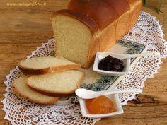 Un pane soffice, soffice, favoloso da gustare e semplice da realizzare. Com'e' possibile? Grazie al metodo giapponese Tangzhong o Tang Zhong. Da provare! Oreo, Dairy, Cheese, Food, Essen, Meals, Yemek, Eten