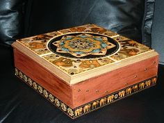 Manualidades: Caja Hindú Decorative Boxes, Painted Boxes, Arts And Crafts, Buddha, Decorative Storage Boxes