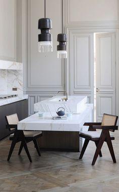 Kitchen with marble by Architect Joseph Dirand / Minimalism * Interior by LEUCHTEND GRAU